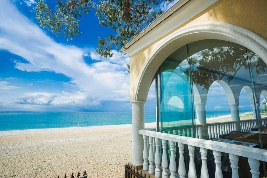 Гудаута, гостевой дом «Пальмовая гавань»